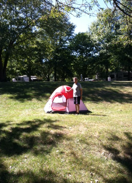 Wallashuck campgrounds, Lake Red Rock, Iowa. Pitching our tent.